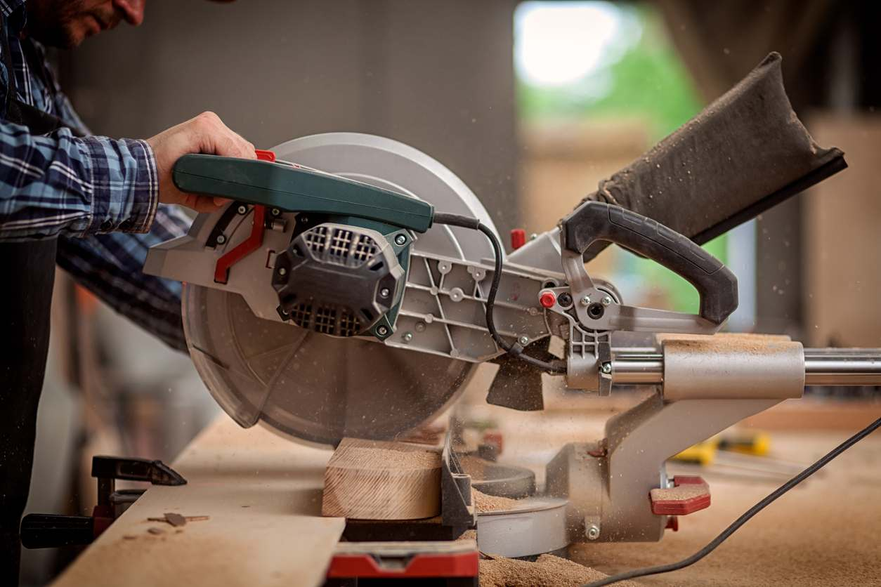 The Benefits of Using a Miter Saw