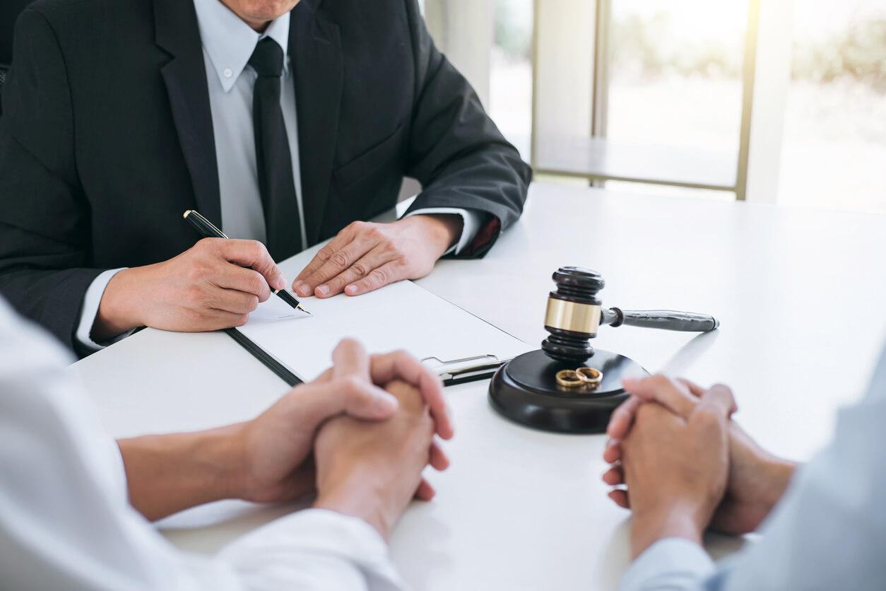 Hiring a Divorce Lawyer For Custody